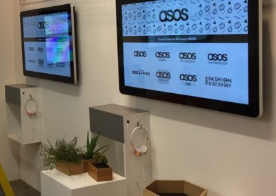 42-inch touchscreen hire