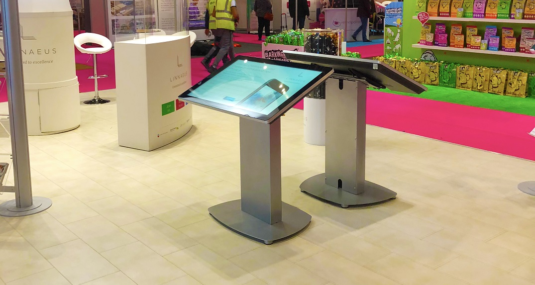 How To Boost Your Brand Visibility With An Event Touchscreen